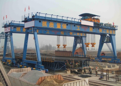 450吨路桥门式起重机
