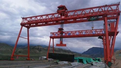 150吨路桥门式起重机