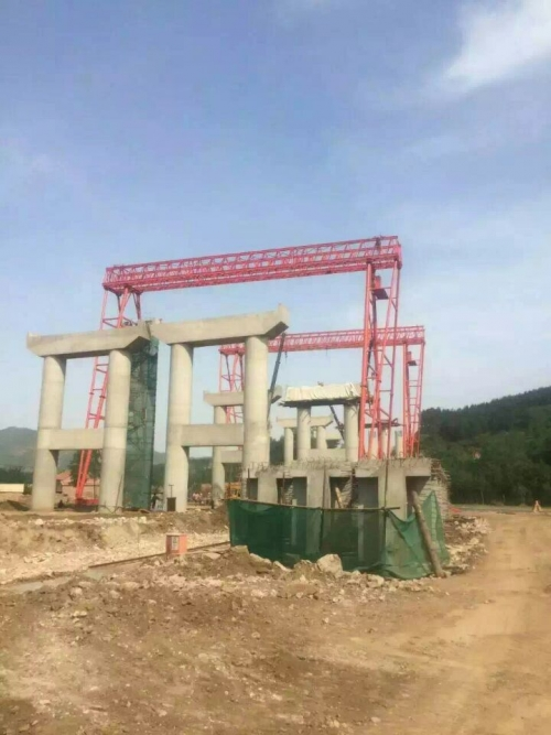50吨路桥门式起重机