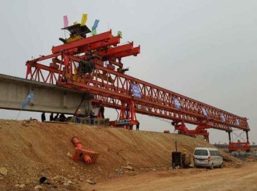 库尔勒160吨铁路架桥机